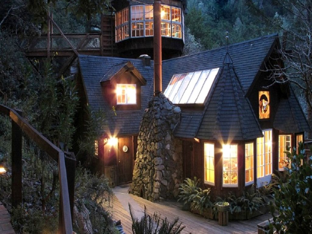 Outside of San Francisco tree house and top thanksgiving vacation homes