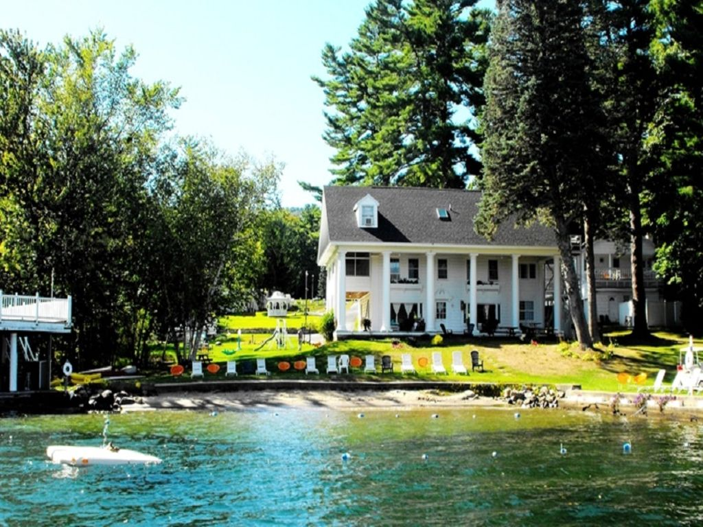 Top New York vacations with this lakeside rental