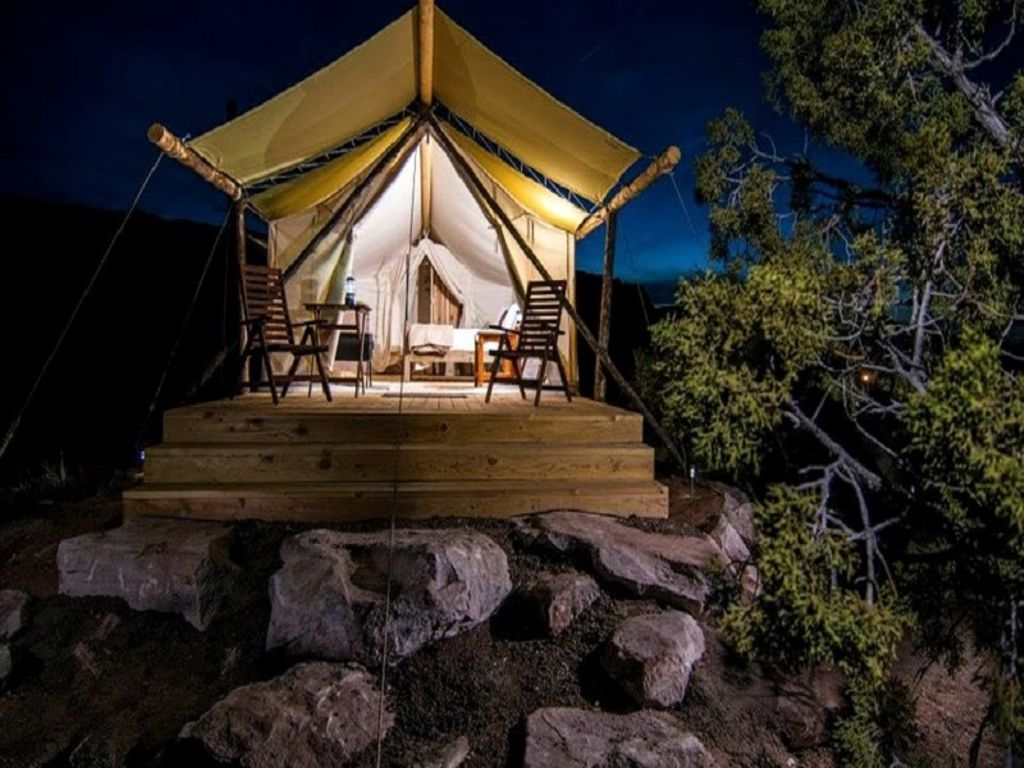 desert tents in Moab, Utah for rent this New Year's Eve celebrations