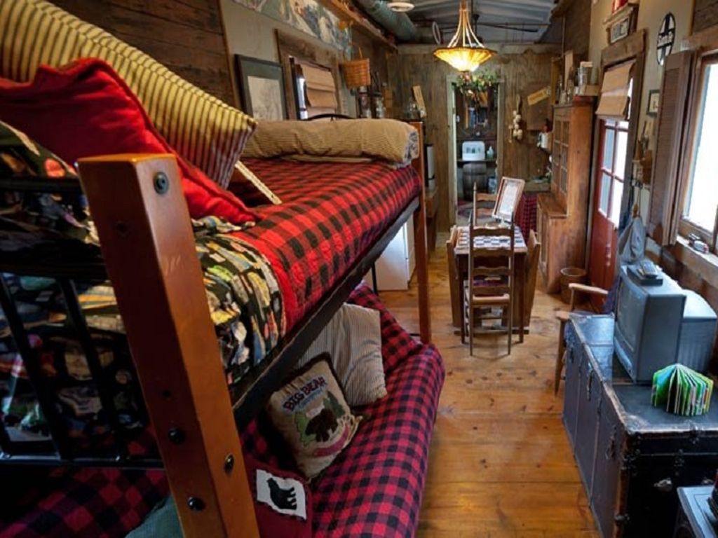 inside of glen rose cabins in texas and one of the unique gifts for men this year
