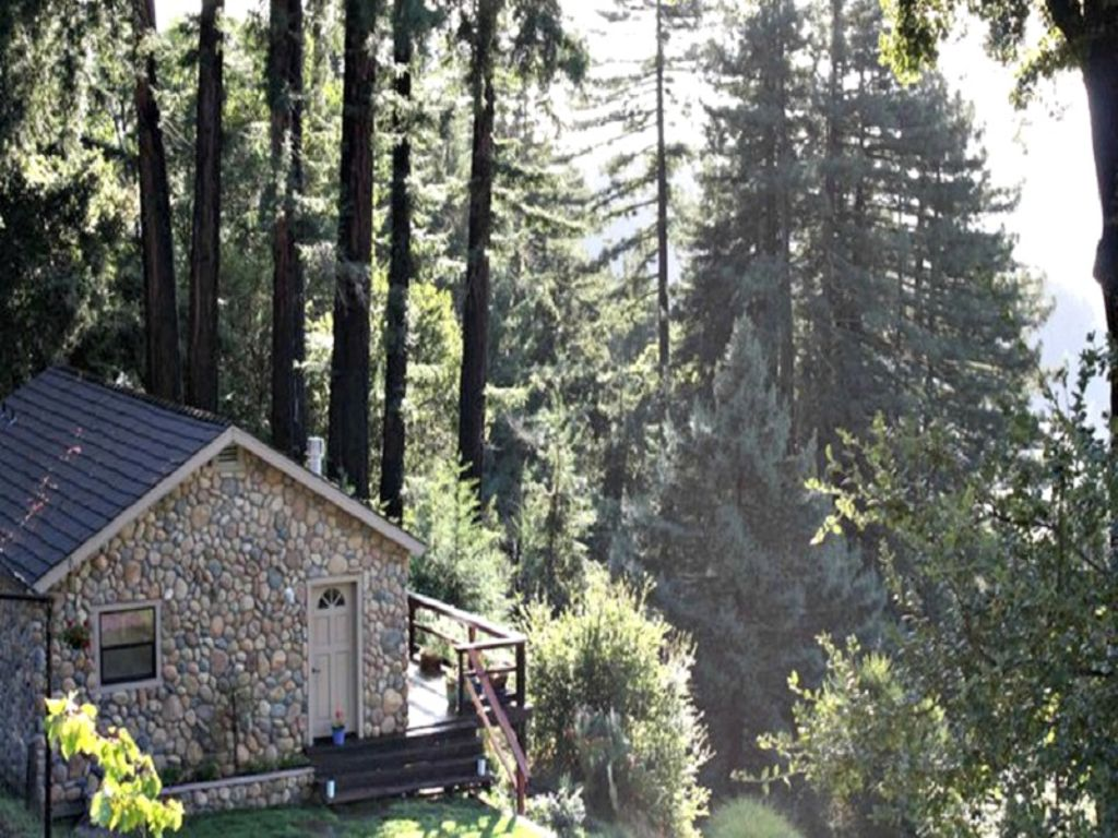 best places to celebrate nye in California in this secluded cabin in CA