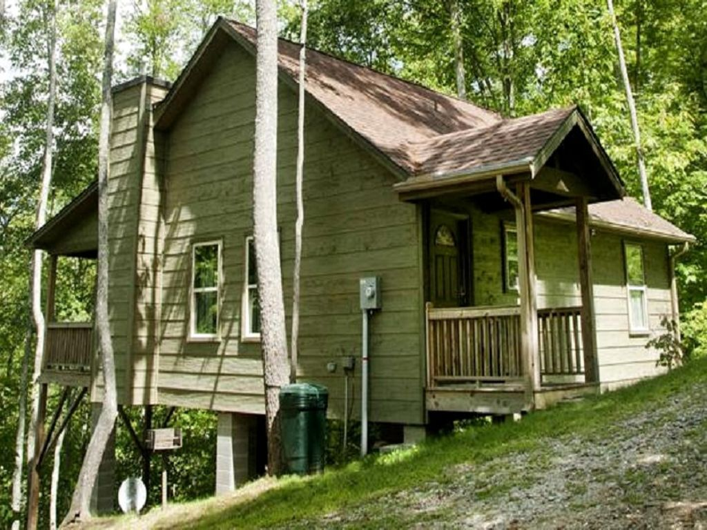 one of the fishing cabins in NC for romantic getaways for couples on Valentine's Day 2020