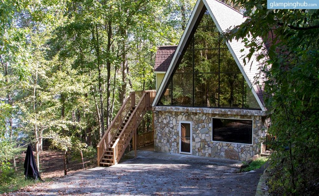 2020 Easter holidays done right with stunning lakefront Gerogia cabin rentals in Gainesville