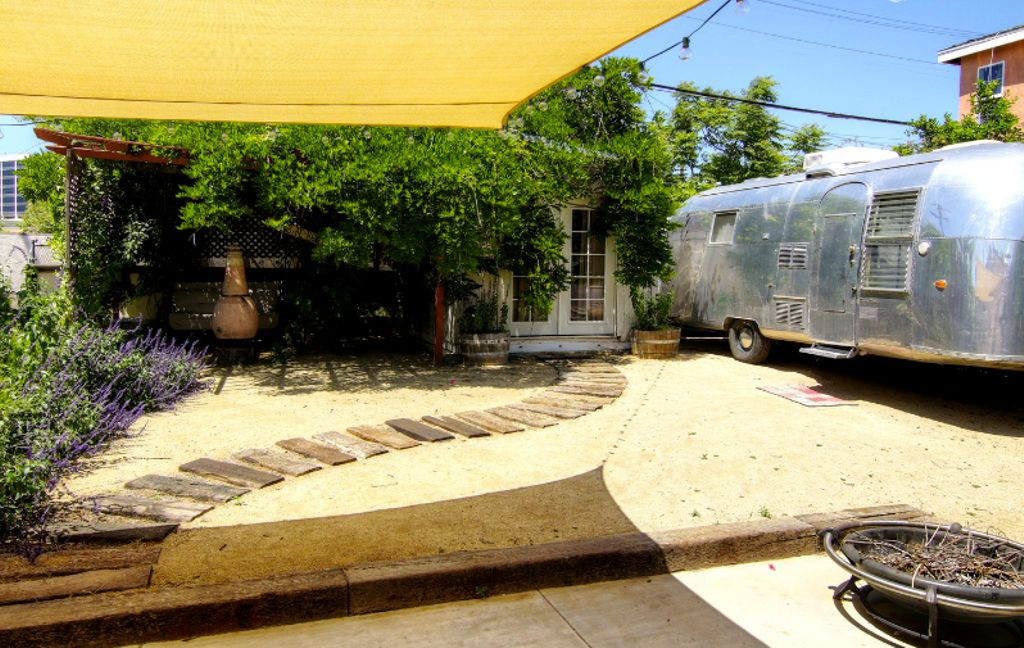image of authentic rv rental California for luxury camping, Los Angeles CA