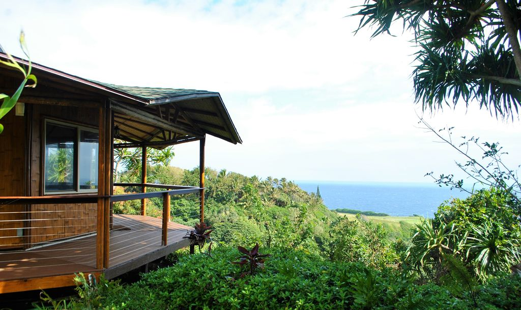 eco-friendly reterat in maui, hawaii