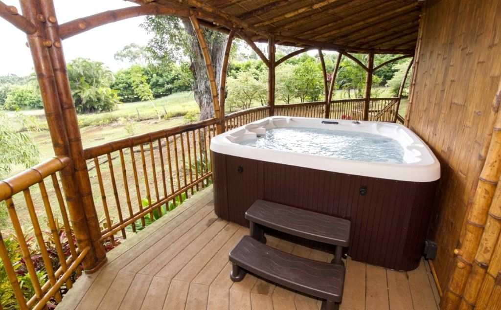 example of Maui hot tub rentals perfect for glamping Hawaii