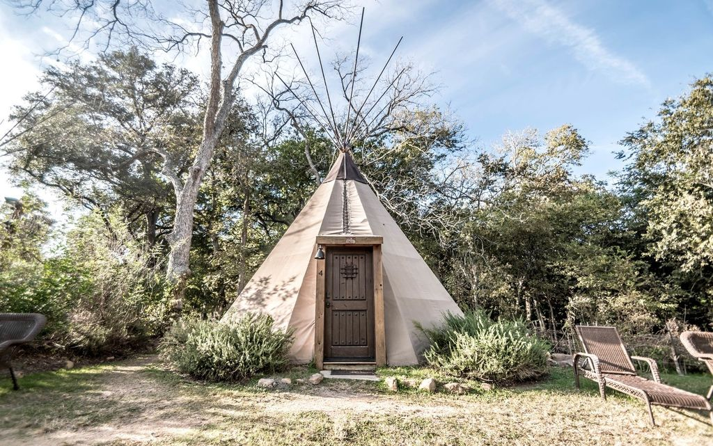 Tipi rentals in New Braunfels.