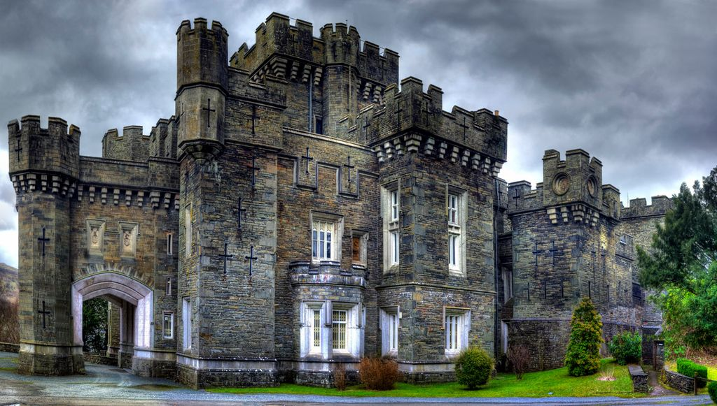 Wray Castle from the outside.