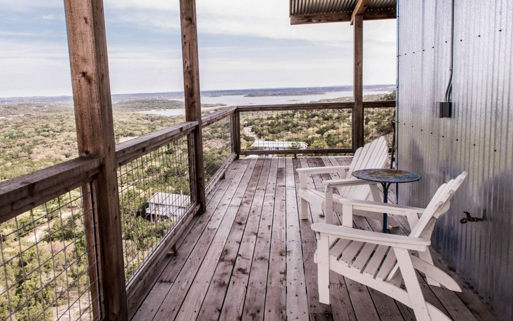 Luxurious Cliffside Cabin Rental with Private Pool in Canyon Lake, Texas