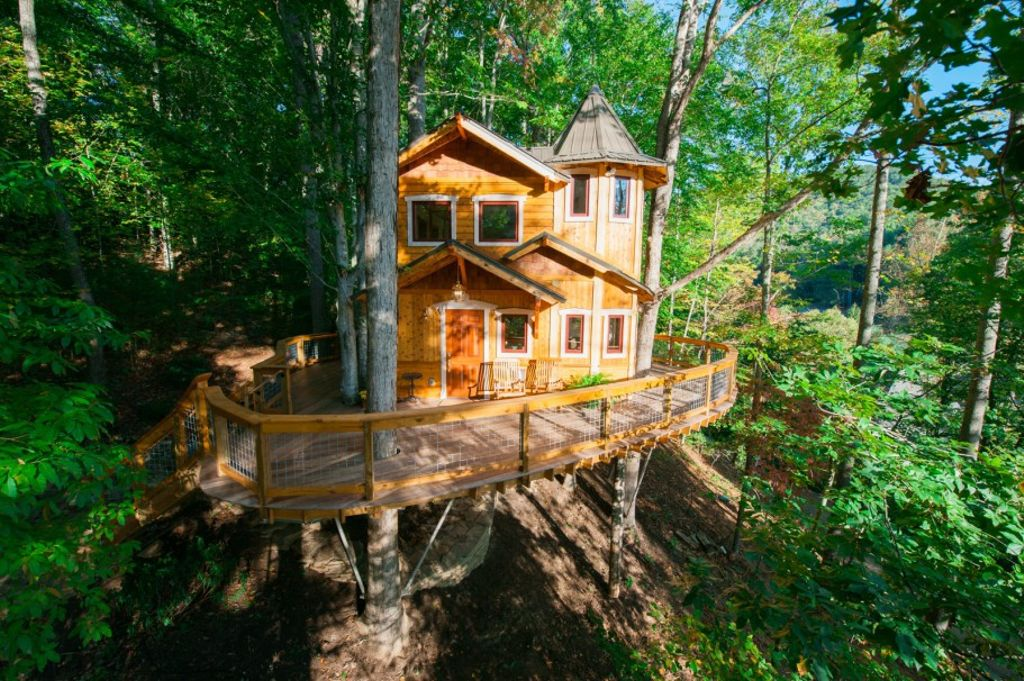 A view of the exterior of the treehouse in Asheville, North Carolina and one of the gifts for someone who has too much stuff
