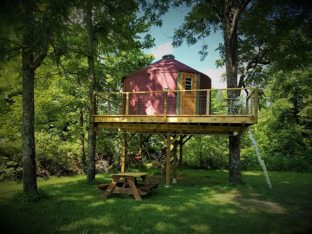 Elevated Yurt in the Woodlands near the Daniel Boone National Forest, Kentucky