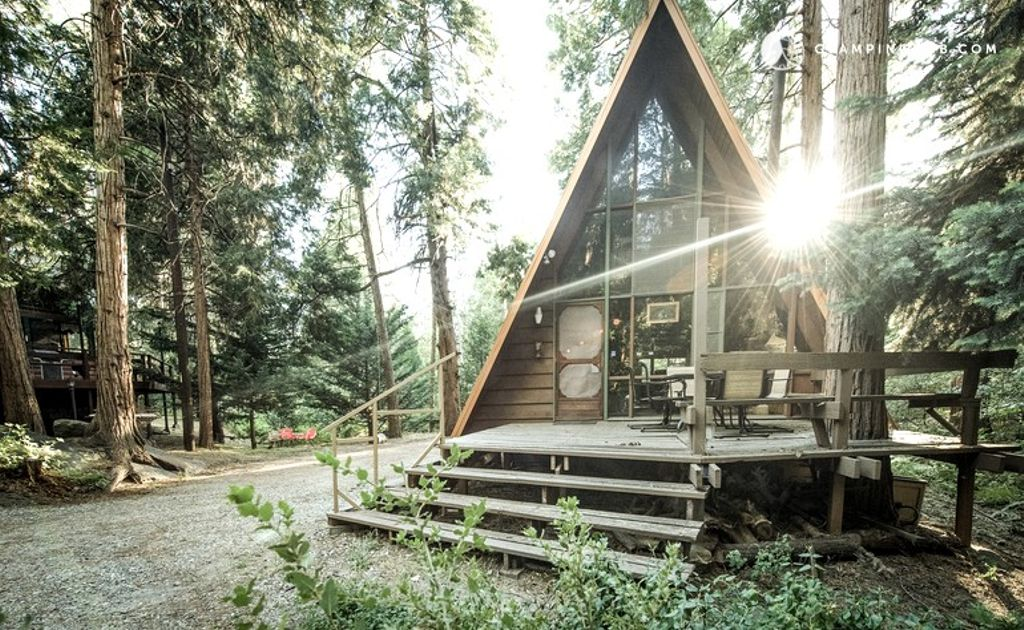 A luxury camping cabin in the woods of San Jacinto, in southern California.
