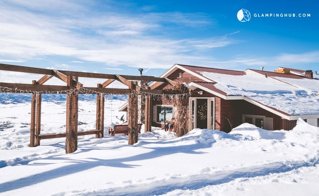 A group-sized cabin for rent in Steamboat Springs, Colorado.