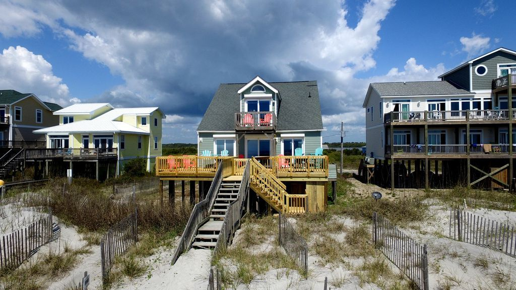 A Topsail Beach house rental overlooking the water.
