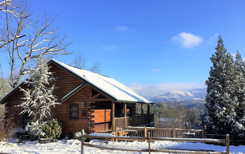 A view from the exterior of the log cabin in Gatlinburg, Tennessee, in the wintertime.