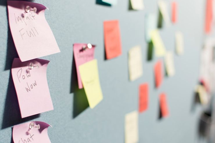 post it notes with pet-proofing rules