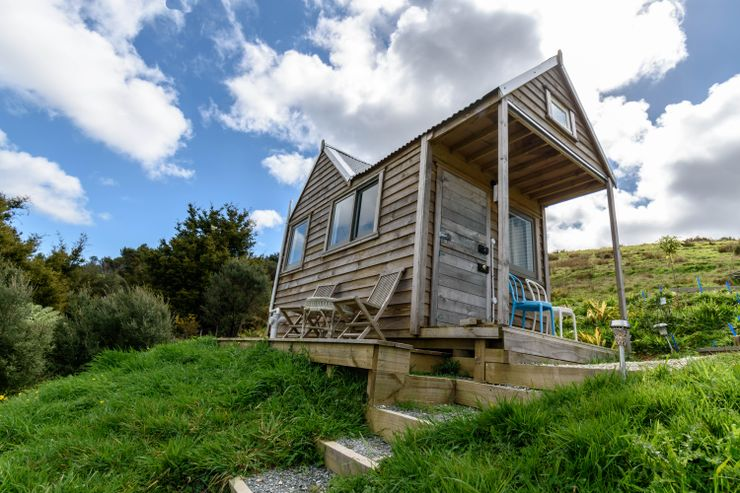 A tiny house in New Zealand available for rental for an eco-friendly holiday.