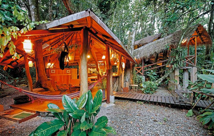 A Costa Rica tree house for a sustainable tourism vacation.