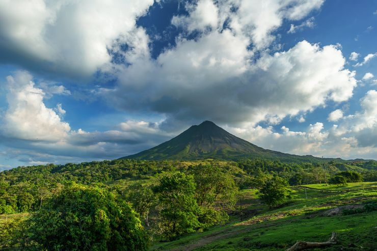 A volcanic landscape in Costa Rica as a destination for sustainable tourism.