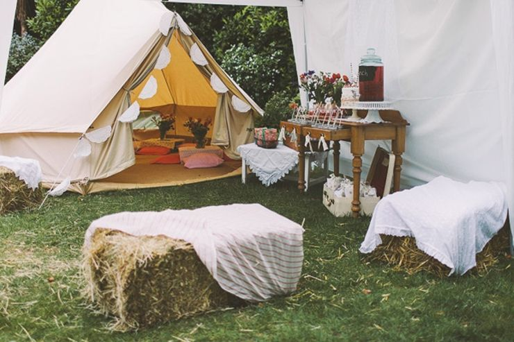 How to plan a glamping-themed party
