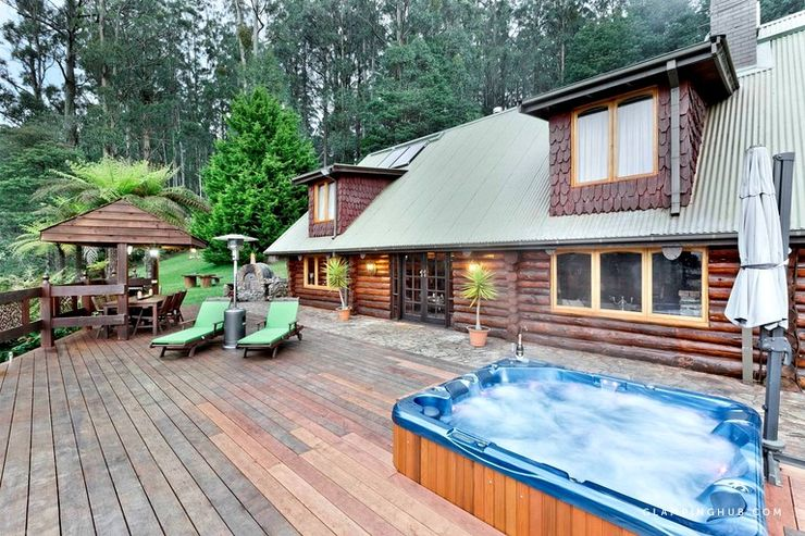Melbourne log cabins with hot tub in Australia