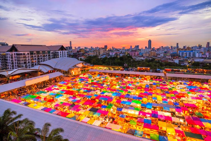 Bangkok, one of the hot places in Asia you can travel to all year round with Glamping Hub
